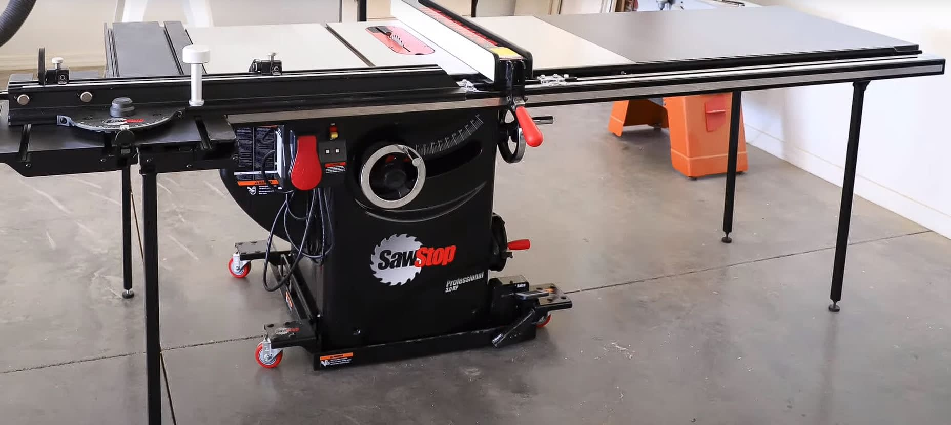 Sawstop 10-Inch Professional Cabinet Saw Review